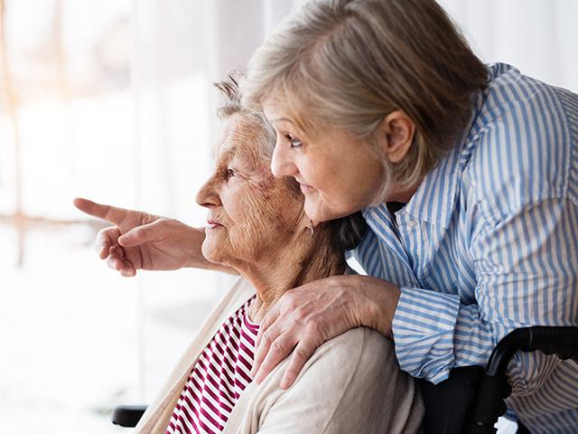 caregiver-elderly-help