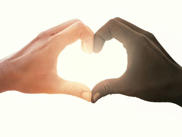 couple-heart-interacial_SI.jpg