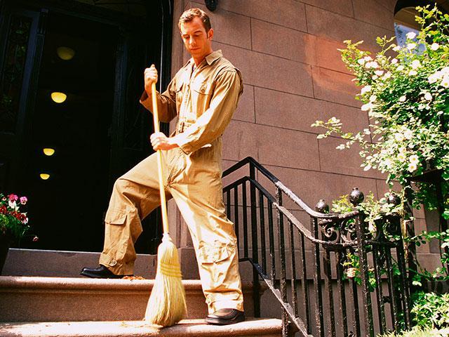 man-janitor-working_si.jpg