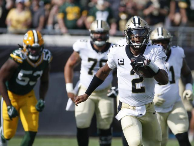 New Orleans Saints quarterback Jameis Winston (2) during the first half of an NFL football game, Sunday, Sept. 12, 2021, in Jacksonville, Fla. (AP Photo/Stephen B. Morton)