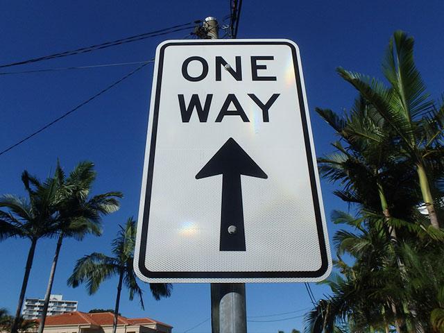 one-way-sign_SI.jpg