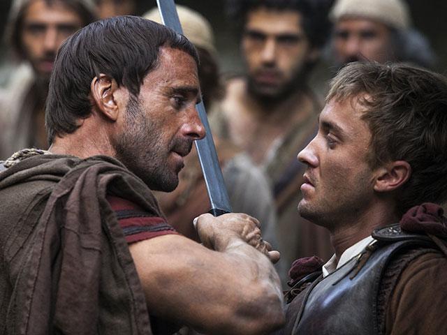 Joseph Fiennes and Tom Felton in Risen