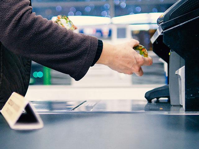 Shopper Groceries Checkout Line AS