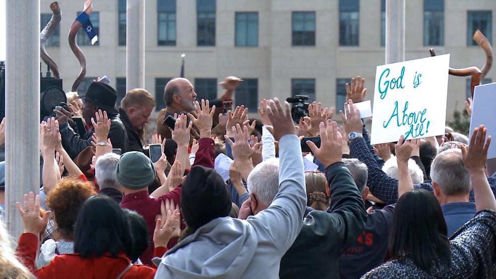 Georgia prayer march was held for the Senate runoff races of Raphael Warnock vs. Sen. Kelly Loeffler, andJon Ossoffvs. Sen. David Perdue.